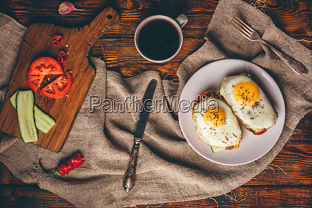 breakfast toasts with vegetables and fried