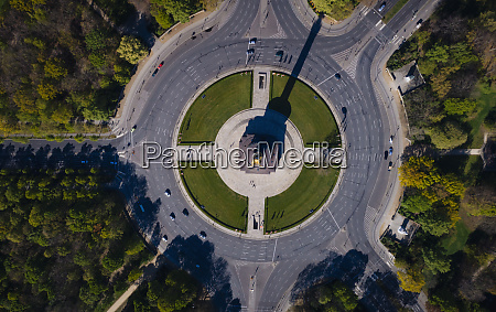 victory column roundabout tiergarten berlin germany