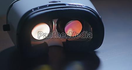 virtual reality device play video inside