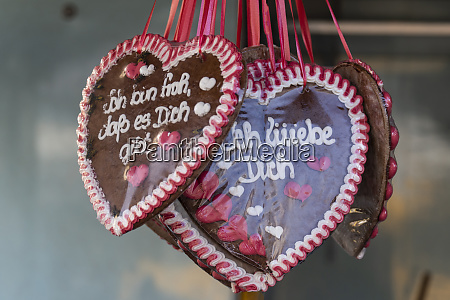gingerbread hearts with german inscription