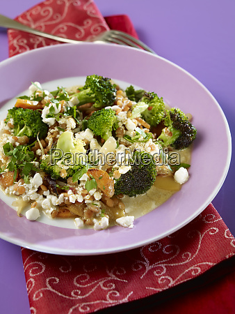 broccoli lentil fry with cottage cheese