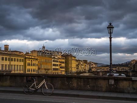 italy tuscany florence arno river ponte
