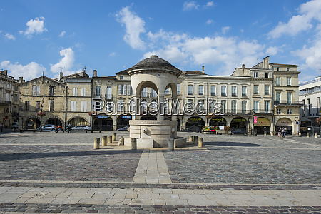 france libourne main square the place