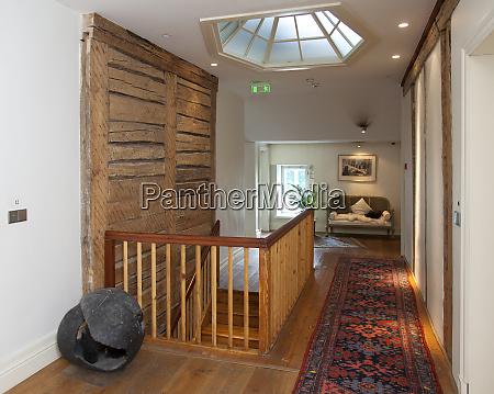 pdaste manor hallway