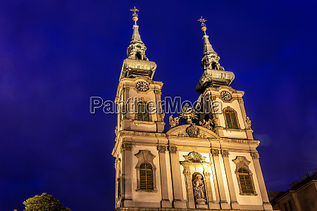st annes church in budapest