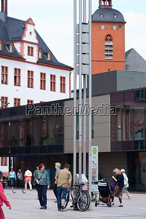 bus stop gutenbergplatz