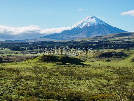 cotopaxi volcano cotopaxi national park andes