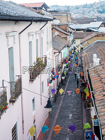 one of the narrow cobbled streets