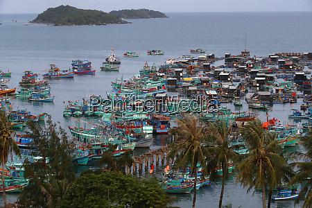 fishing boats an thoi harbour vietnam