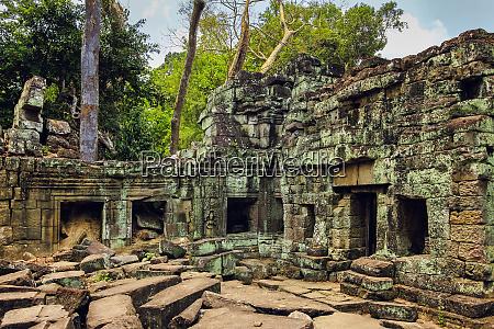 enclosure in 12th century preah khan
