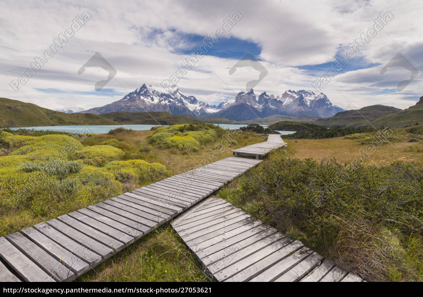 boardwalks, at, lake, pehoe, , torres, del - 27053621