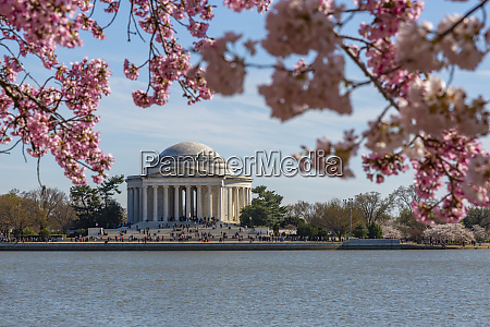 thomas jefferson memorial tidal basin and