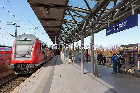 railway station dusseldorf airport dus