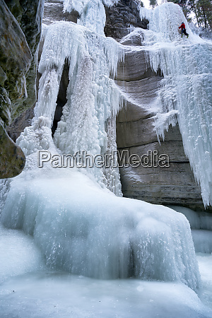 ice climbing in maligne canyon alberta