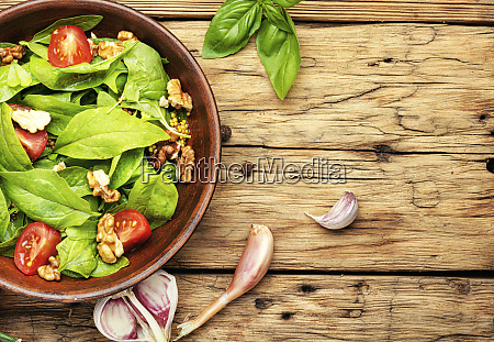 green salad with spinach and sorrel