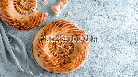 tandoor, bread, on, gray, table - 27080288