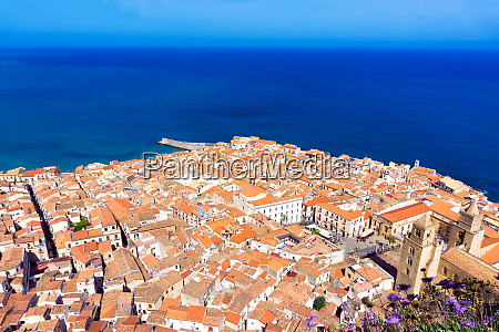 cityview with mediterrenean sea in cefalu