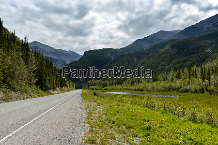 road and landscape along the alaska
