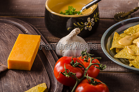 nachos with homemade cheese dip