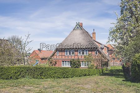 thatched roof house konau lower saxony