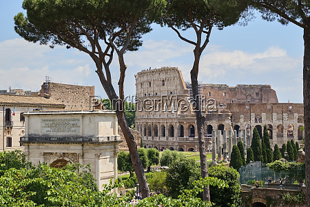 arch of titus colosseum rome italy