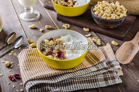 oatmeal with yogurt