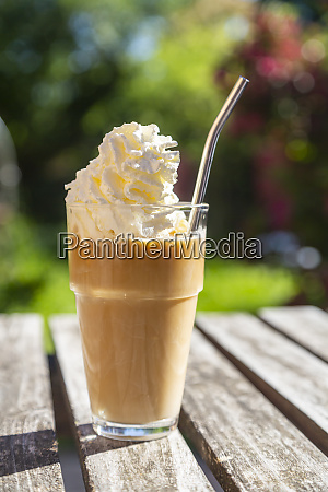 glass of iced coffee with cream