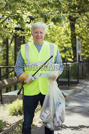 mature man city cleaning