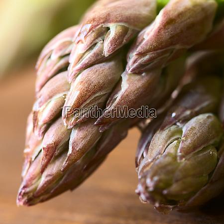 raw green asparagus
