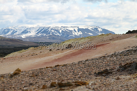volcano vs snow