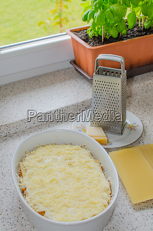 lasagne bolognese preparation