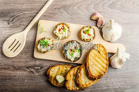 grilled mushrooms stuffed cheese and chilli