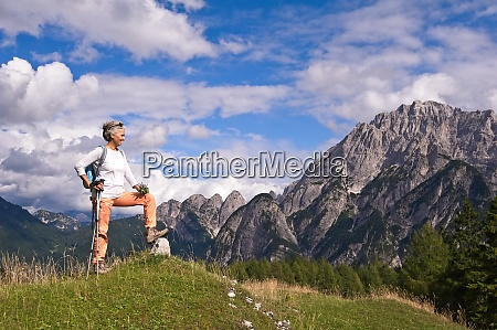 woman hiker hiking looking at scenic