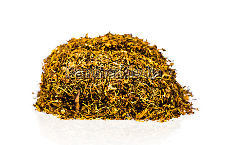pile of dried chopped tobacco leaves