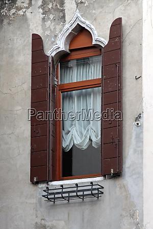 one venice window