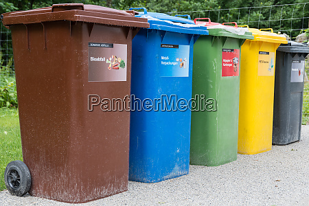 waste bins differ in color