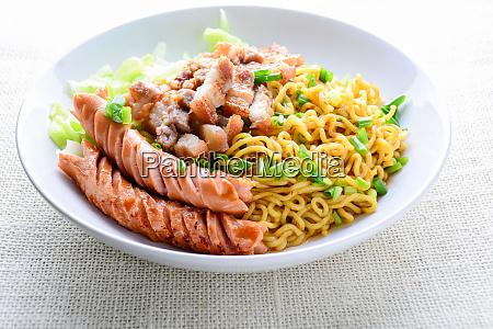 udon noodles with grilled pork sausage