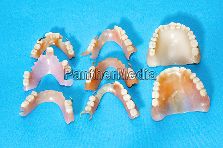 removable dentures flexible devoid of nylon