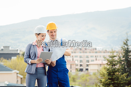 architect and builder developing ideas for