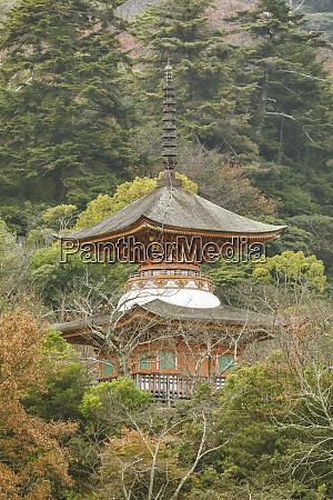 tahoto pagoda shinto shrine miyajima hiroshima