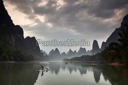 real fishermen on li river at