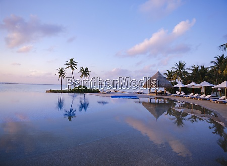 four seasons hotel maldives