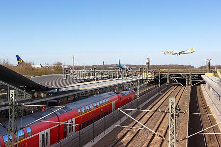 dusseldorf airport railway station dus