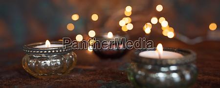 atmospheric christmas candlelight