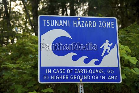 tsunami hazard zone warning sign on