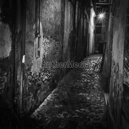 italy lazio tivoli narrow passageway between