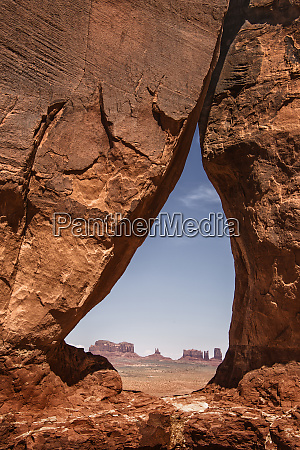 usa arizona monument valley teardrop arch
