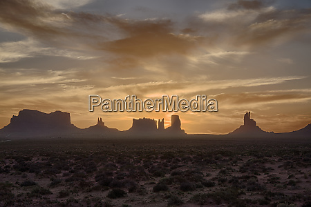 usa arizona monument valley first light
