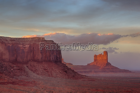 arizona monument valley sentinel mesa and
