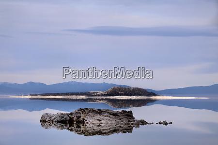 usa california mono lake landscape with
